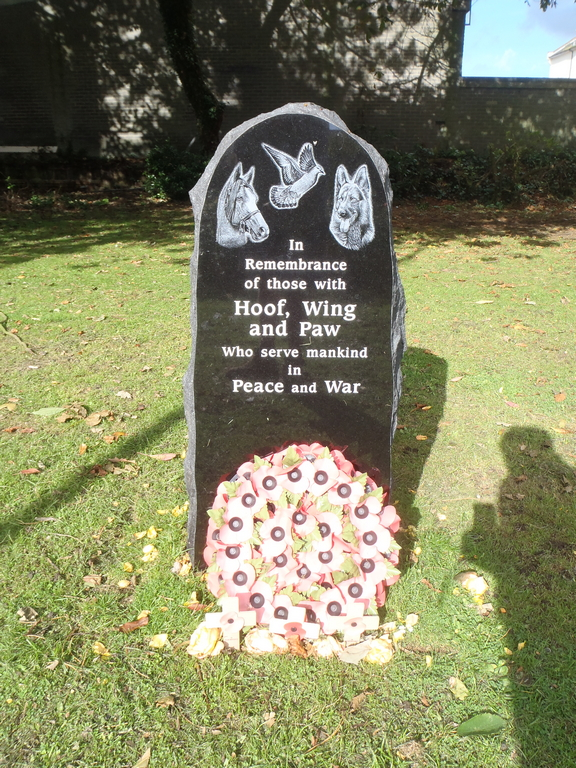 Animal war memorial Folkestone.jpg